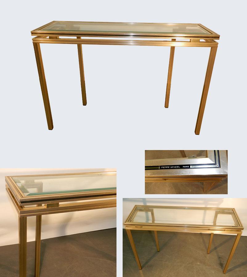 mod 524 pierre vandel paris console en metal dore et verre 1970. Black Bedroom Furniture Sets. Home Design Ideas